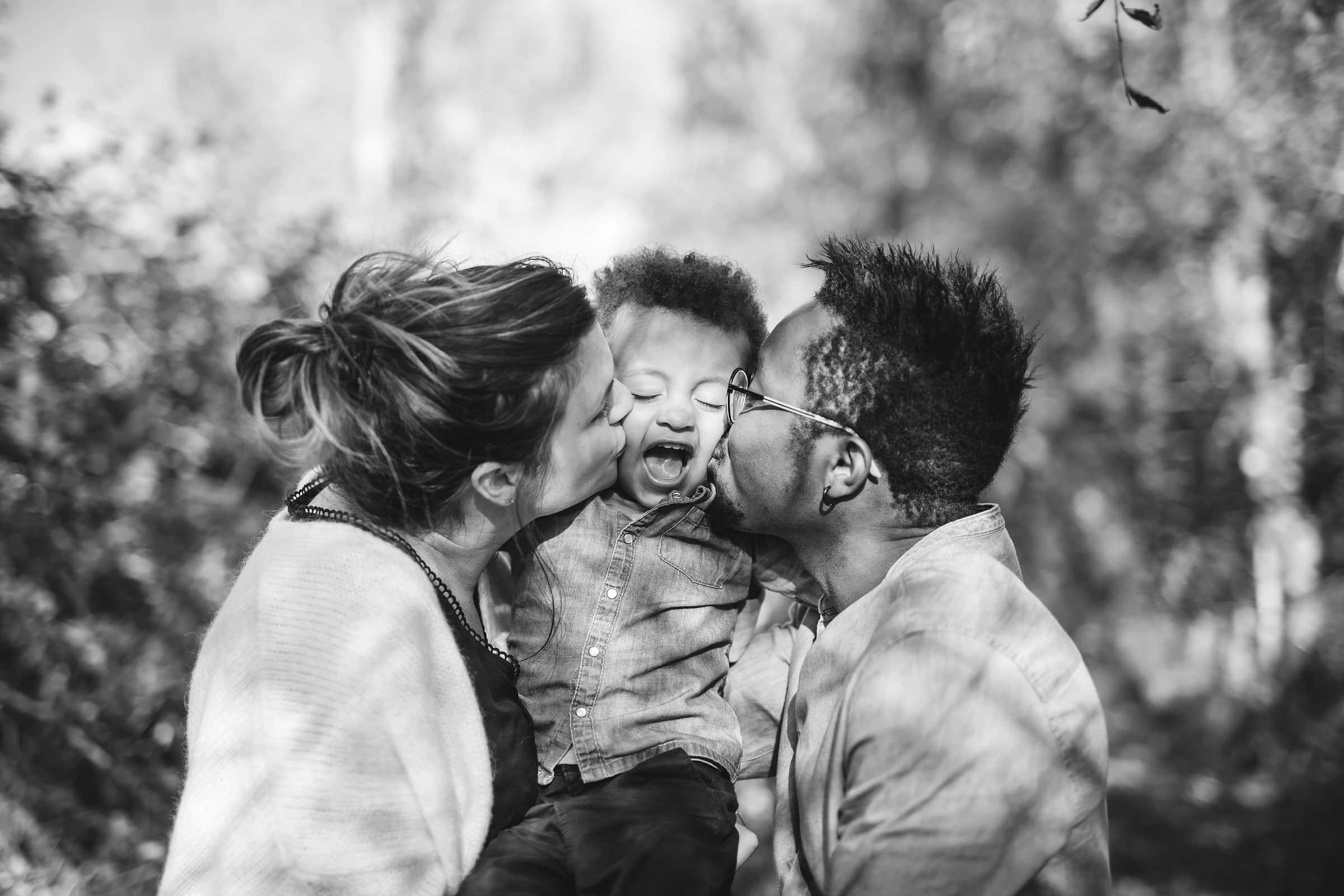 Photographe de famille, reportage sur le vif et portraits à Amboise et Tours.