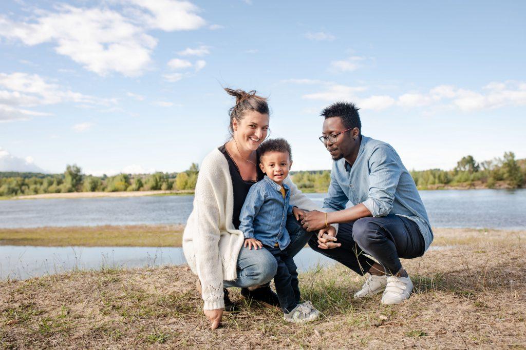 Photographe de famille à Amboise, style naturel et spontané